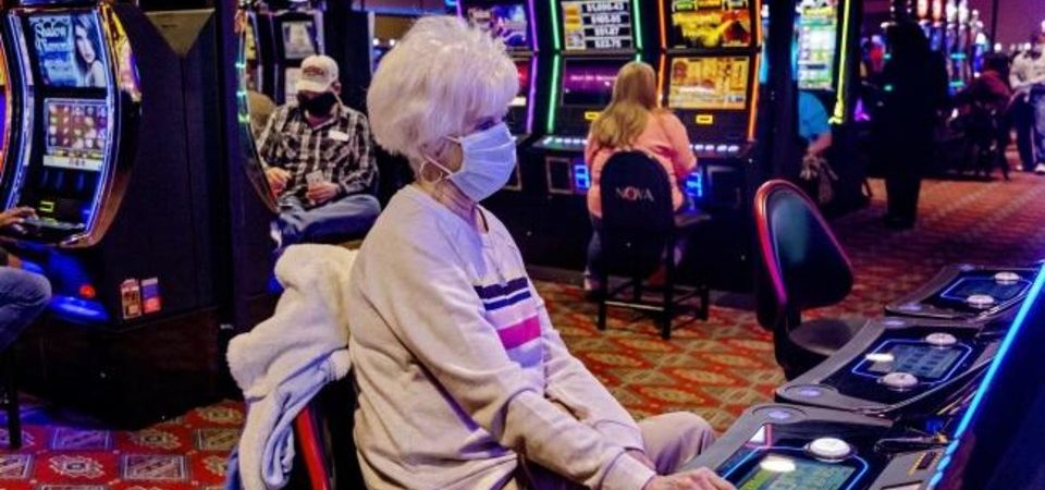 Is Playing Greatest Online Slot Games Better Than Offline Slot