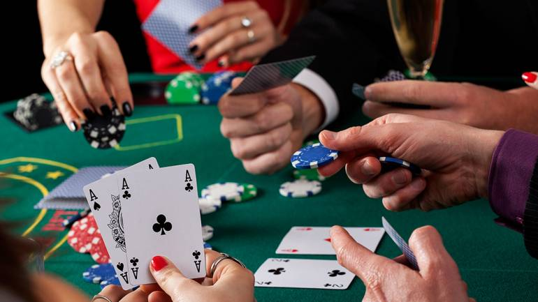 Listed Below Are Gambling Techniques Everyone Believes One Do You Choose?